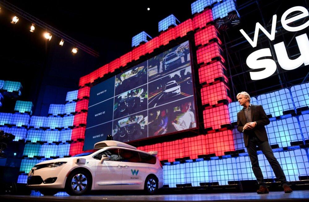 """Tehtud: Waymo tõi USA-s esimesena teedele isejuhtivad autod, kus pole """"hädaabijuhti"""""""