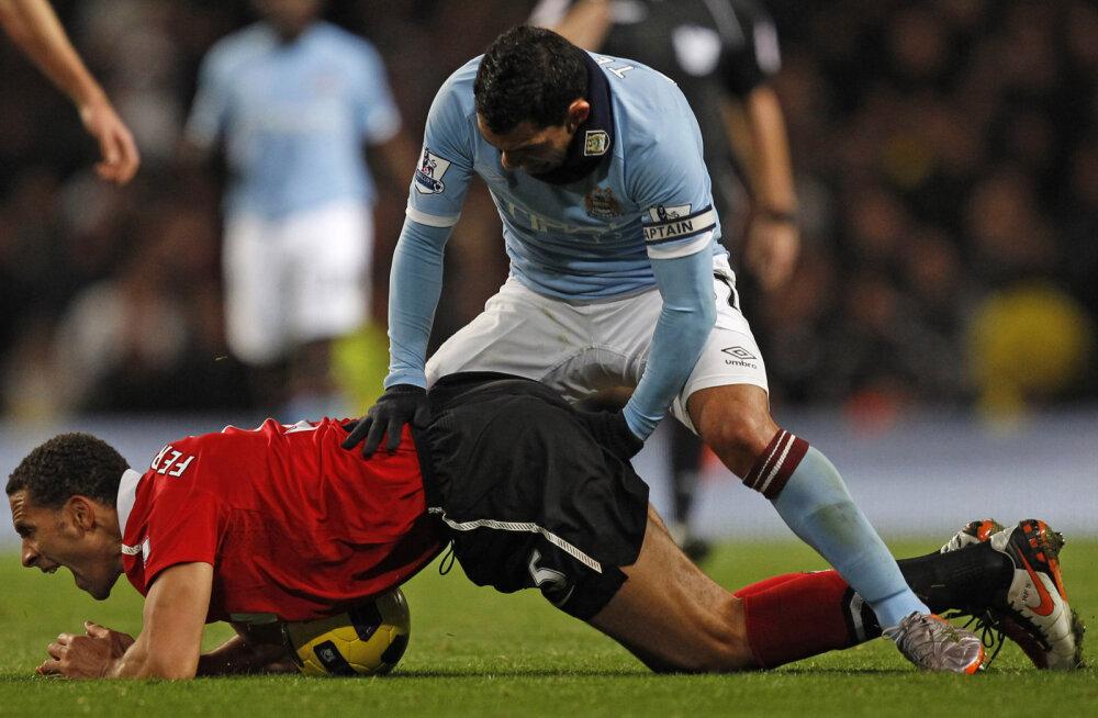 FOTOD: Kõigi aegade piinlikumad jalgpallifotod