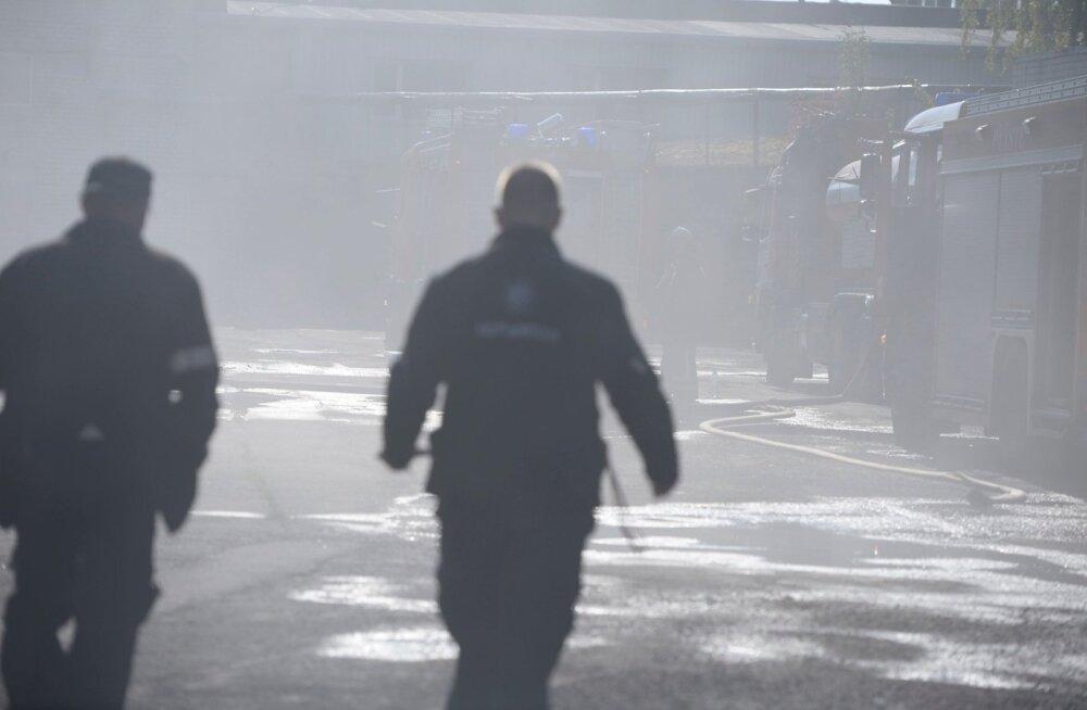 Pirital põles elumaja konstruktsioonides rullbituumen, seitse inimest viidi haiglasse