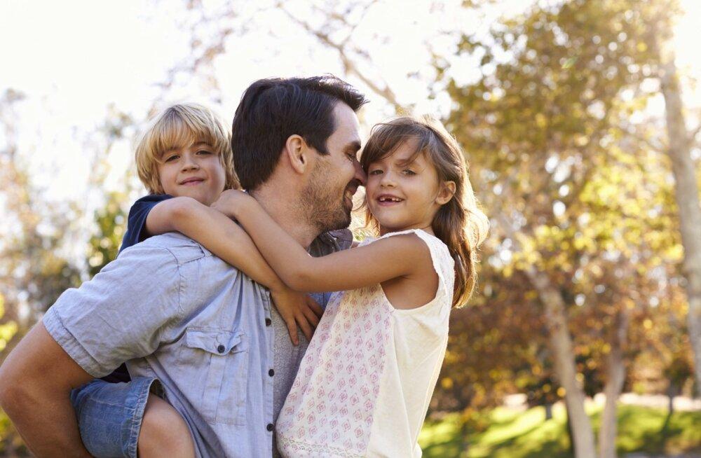 Должны ли женщины помогать мужьям стать хорошими отцами?