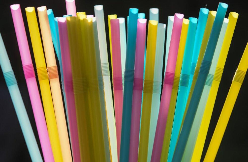 Исчезнут из продажи? Еврокомиссия одобрила запрет ряда одноразовых пластиковых изделий