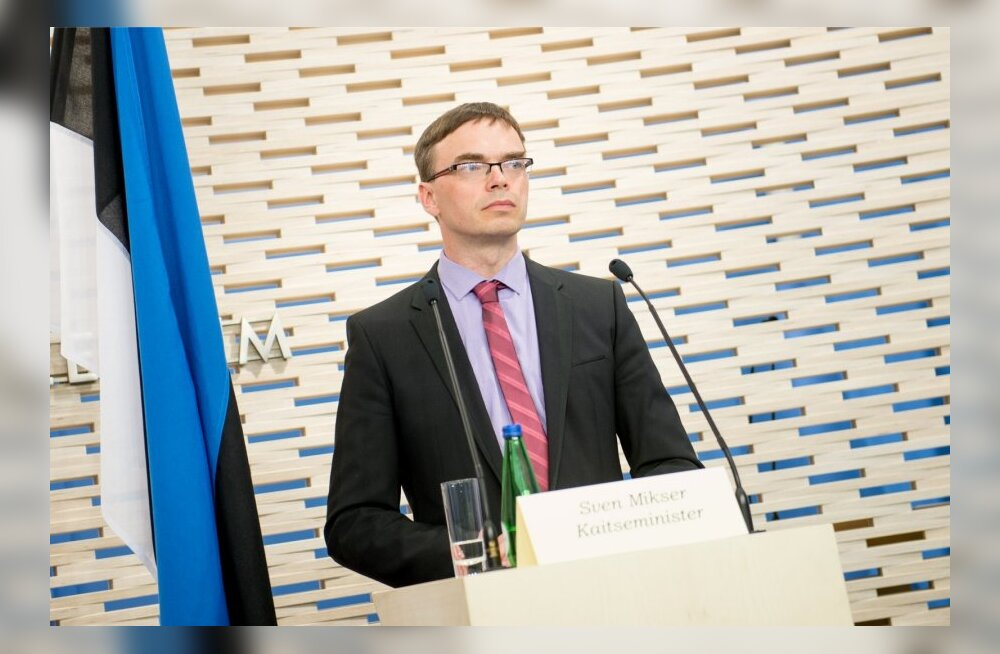 John McHugh ja Sven Mikseri pressikonverents