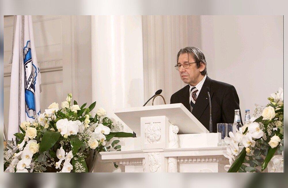 Hando Runnel pälvis Tartu Ülikooli rahvusmõtte auhinna