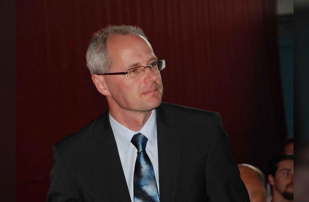 Ingvar Tšižikov: Kui sina ei tegele poliitikaga, tegeleb poliitika sinuga