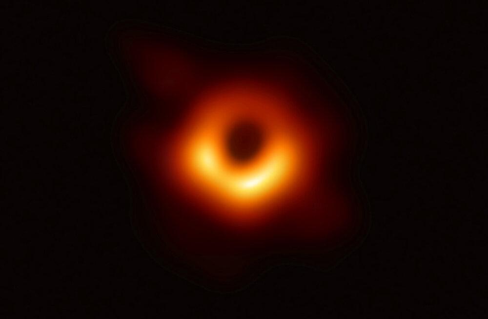 Teadlased kontrollisid Hawkingi musta augu hääbumise hüpoteesi ülivoolava rubiidiumi abil