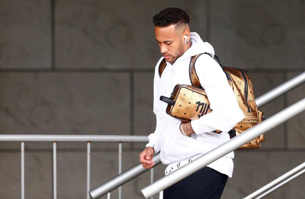 """""""Pele ei oleks eales niimoodi käitunud!"""" Neymar sattus kodumaale naastes järjekordsesse skandaali"""