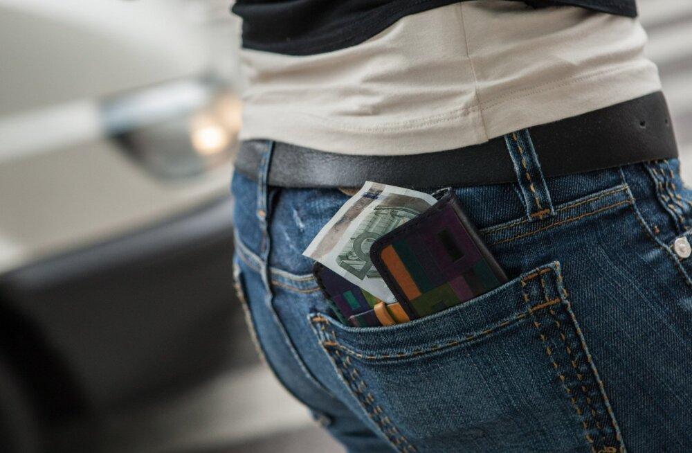 Dokumentide ja raha kaotus reisil on peamised põhjused, miks konsuli poole pöördutakse.