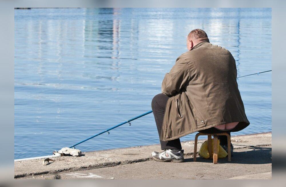 Kojamees seisis kalapüügiõiguse saamiseks 20 tundi järjekorras