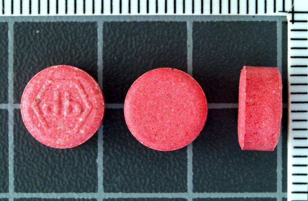 Keemiatööstuse jääkprodukte sisaldavad tabletid