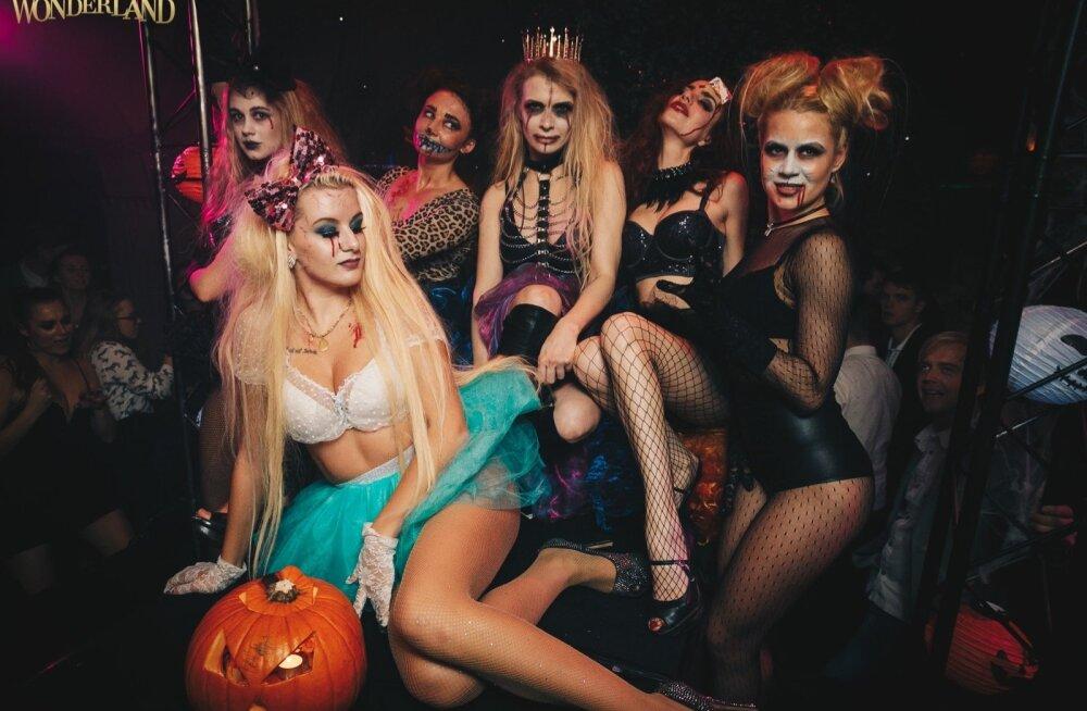 27.10 Halloween Wonderland