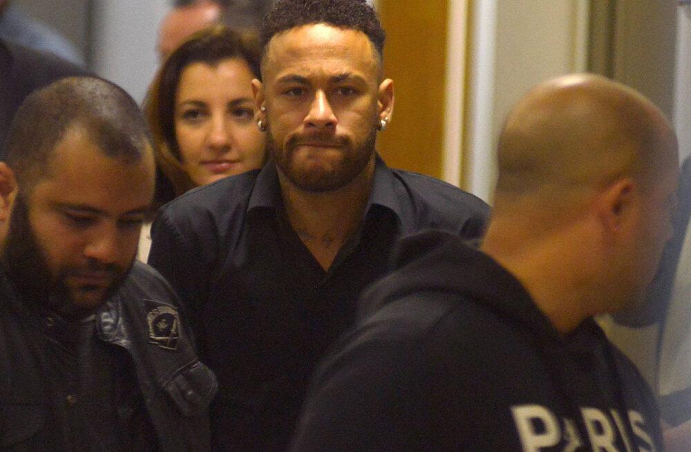 Neymar käis vägistamissüüdistuse osas politseile ütlusi andmas