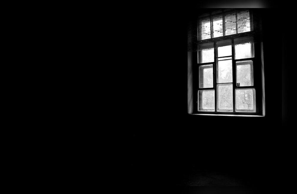 Hea küsimus: kui nõrka valgusallikat inimene pimedas märkab?