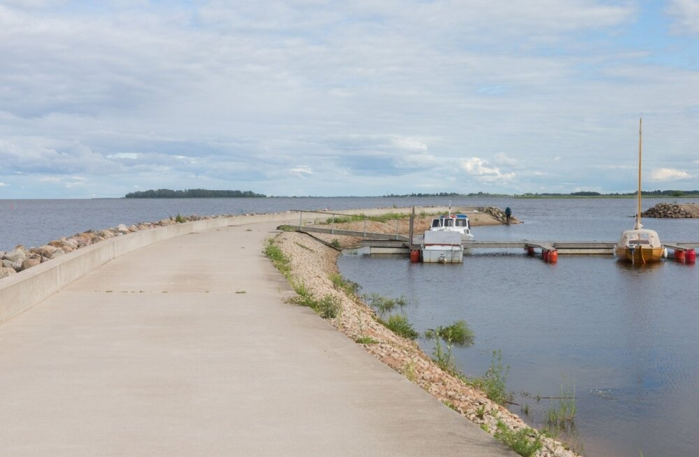 Скрывшийся от полиции в Теплом озере мужчина до сих пор не найден. Выжил ли он — неизвестно