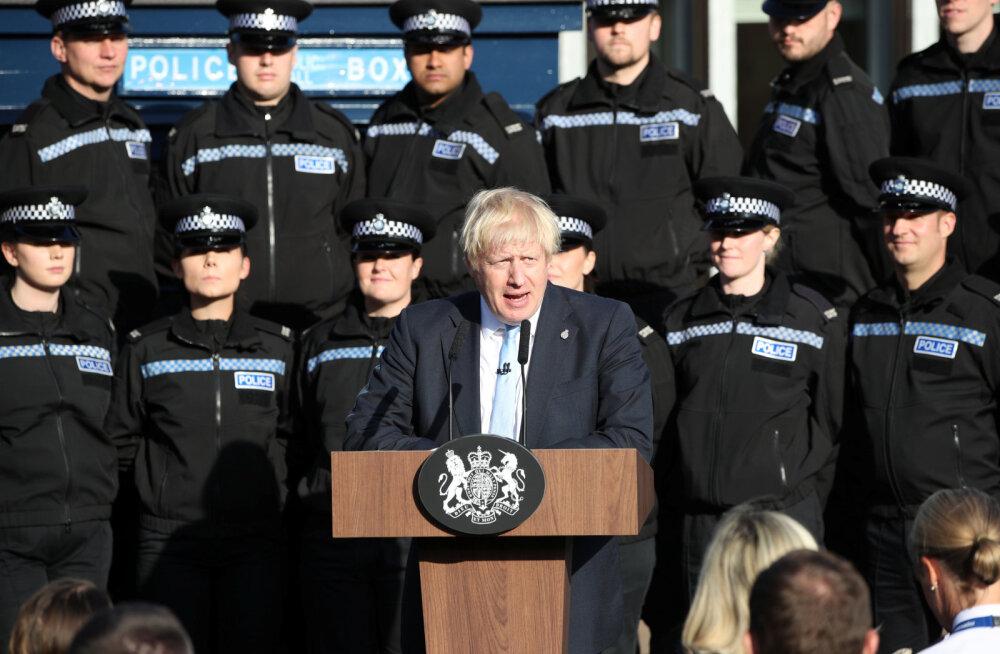 Johnson: ma oleksin pigem surnuna kraavis, kui lükkaksin Brexiti edasi