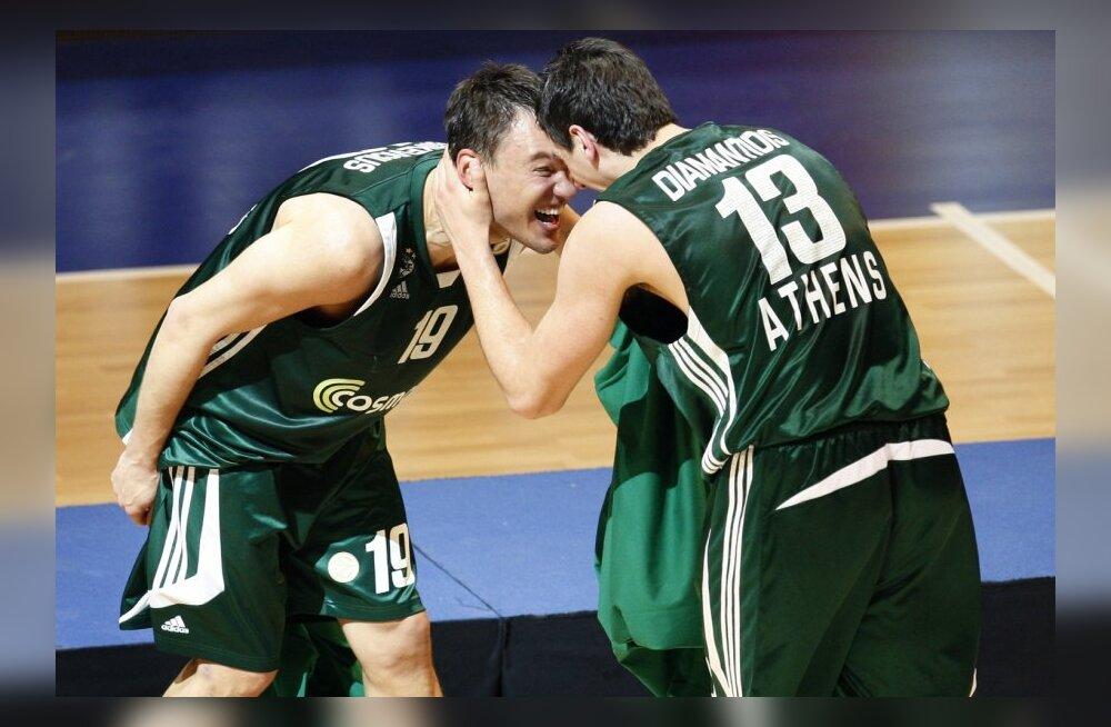 Šarunas Jasikevicius ja Dimitris Diamantidis rõõmustamas, korvpall