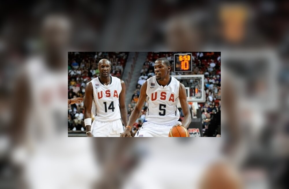 USA korvpallikoondise liikmed Kevin Durant (paremal) ja Lamar Odom
