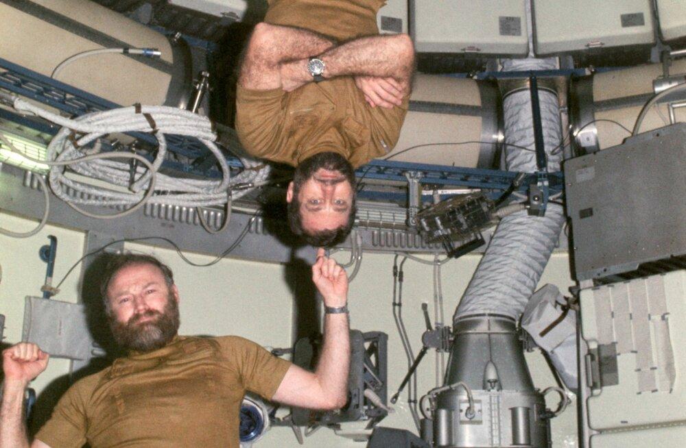 Salaokse, mässumeelsed habemed ja vaikus eetris: kuidas kolm astronauti kosmoseajaloo vägevaima streigi korraldasid