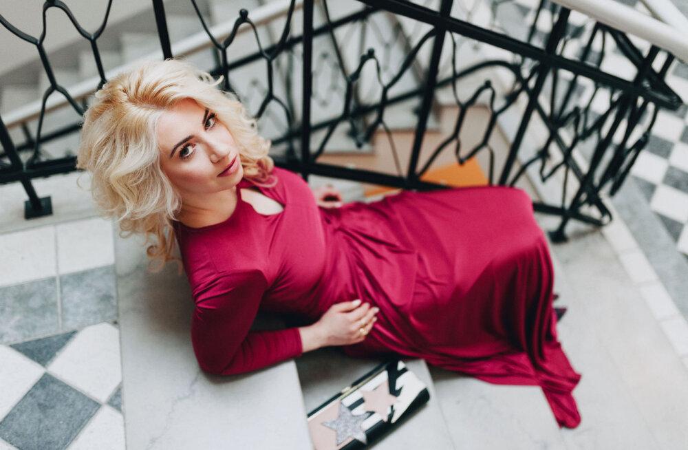 Stella K. Wadowsky on tagasi Kroonikas: kõik kuulsused, kes soovivad end alasti võtta, võivad mulle kohe helistada