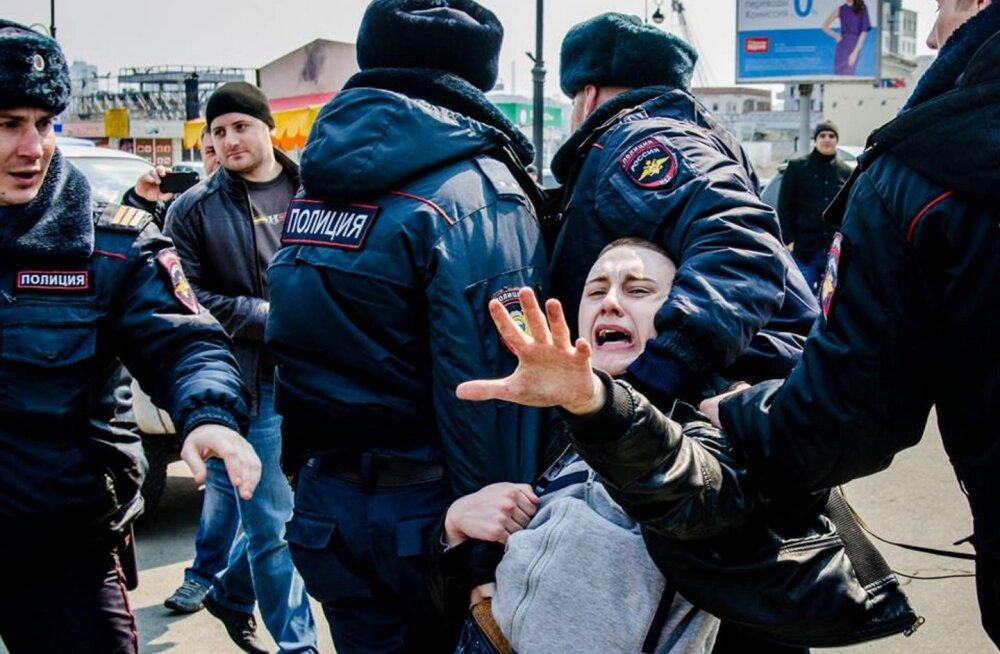 Venemaal vahistati valitsusvastastel meeleavaldustel kümneid inimesi
