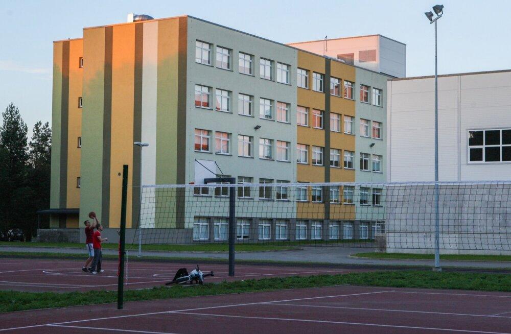 Läänemere gümnaasiumi igapäevaelu on rivist välja löödud.