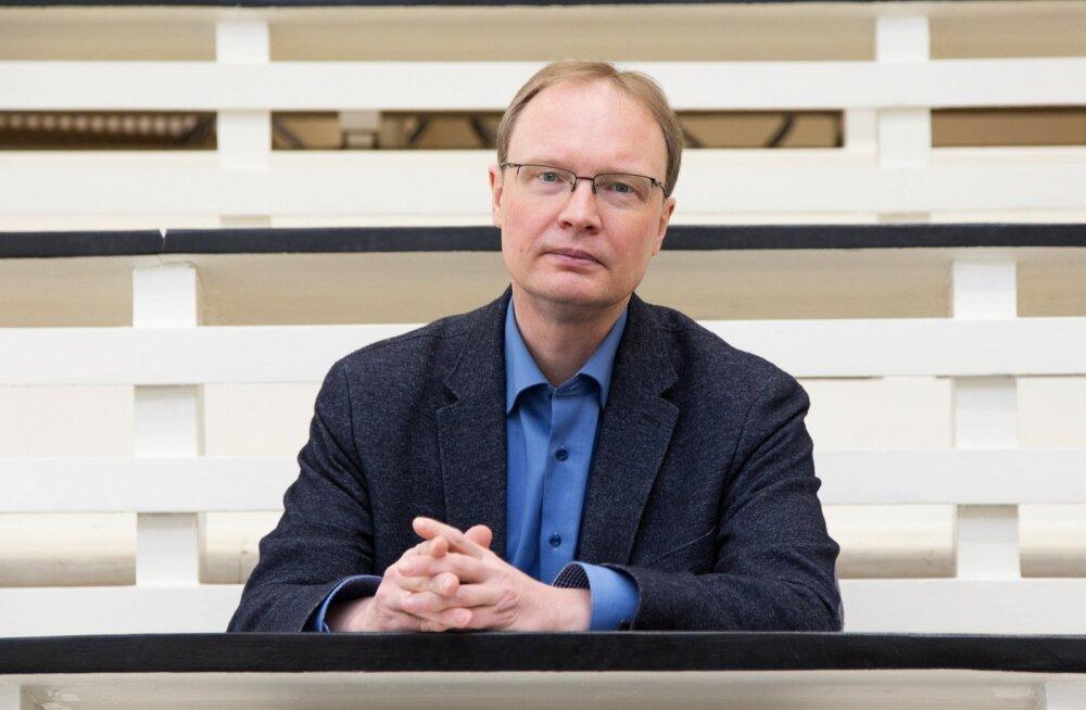 <p>Eelmisel nädalal sai Tartu ülikooli professor Jaanus Harro, kes on uurinud geenide ja keskkonna koosmõju käitumisele ja tervisele, oma töö eest Eesti Vabariigi teaduspreemia. </p>