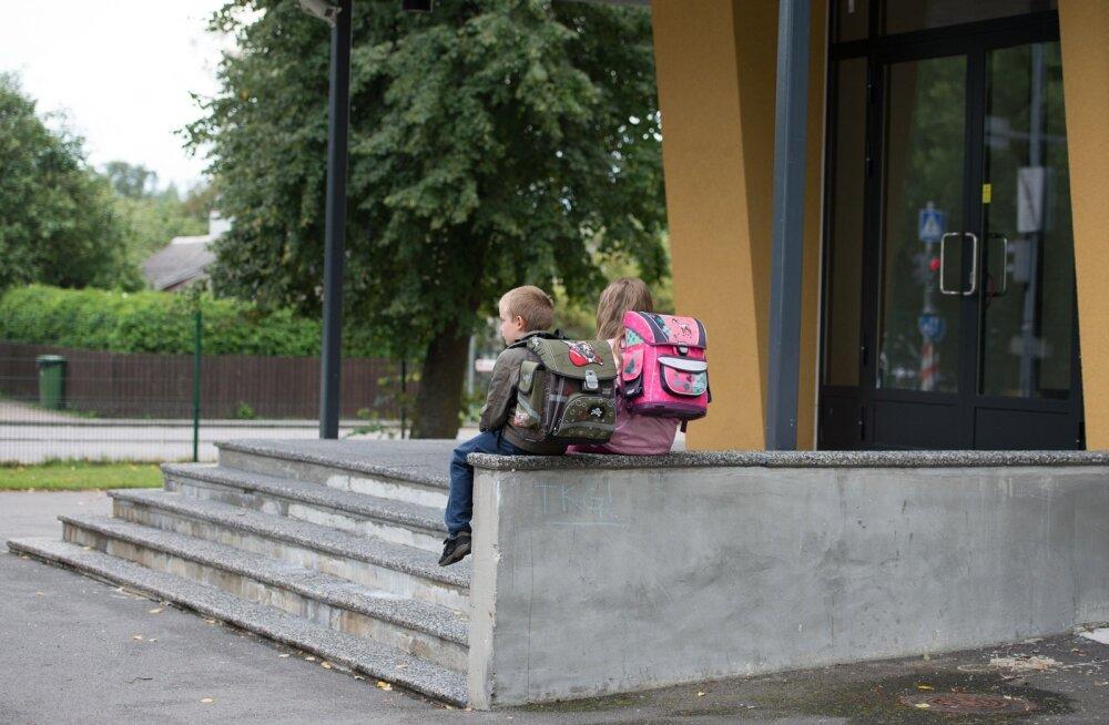 Ранцы школьников слишком тяжелые: что делать?