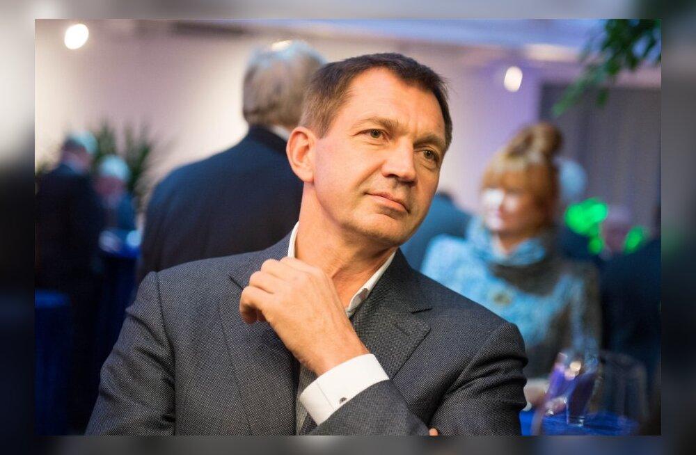 Mart Siimann tänab koostööpartnereid 11 aasta eest