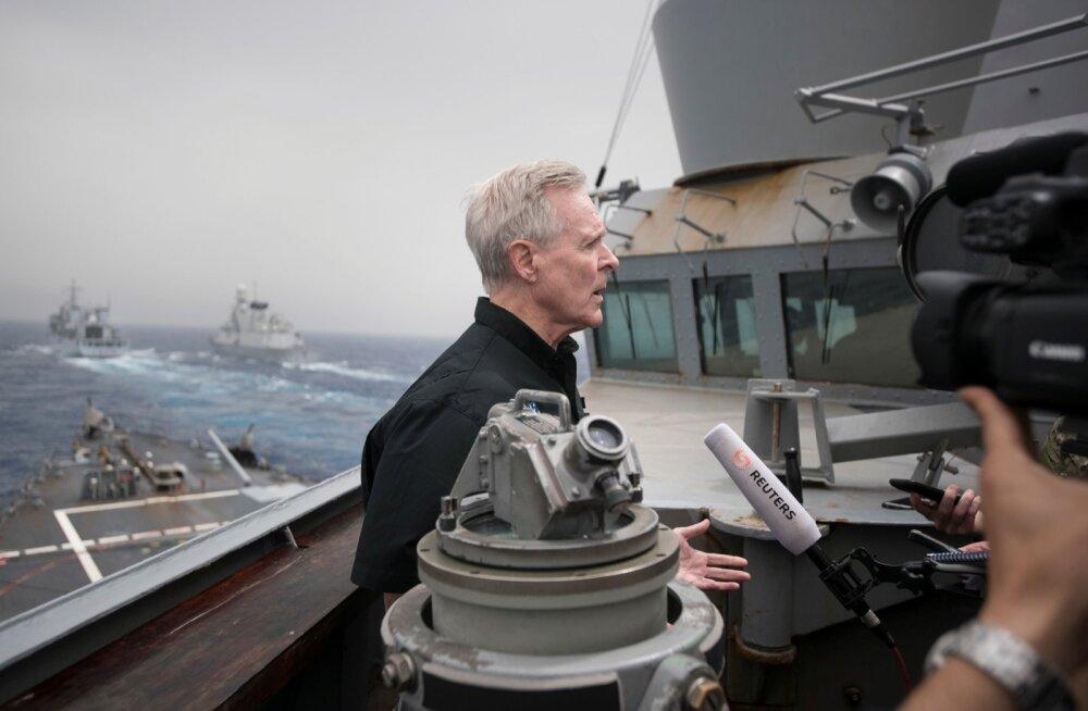Jeemeni mässulised tulistasid USA sõjalaeva suunas kaks raketti