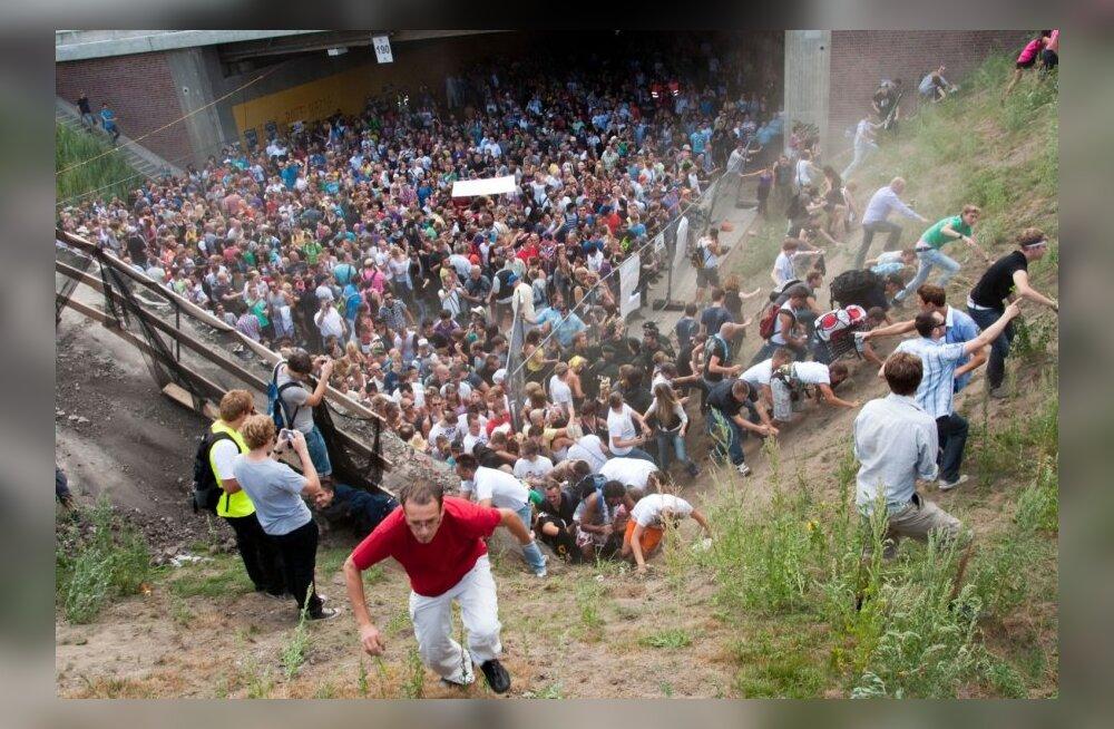 Saksamaal esitati 10 inimesele süüdistus 2010. aasta muusikafestivali ohvriterohke rüseluse eest