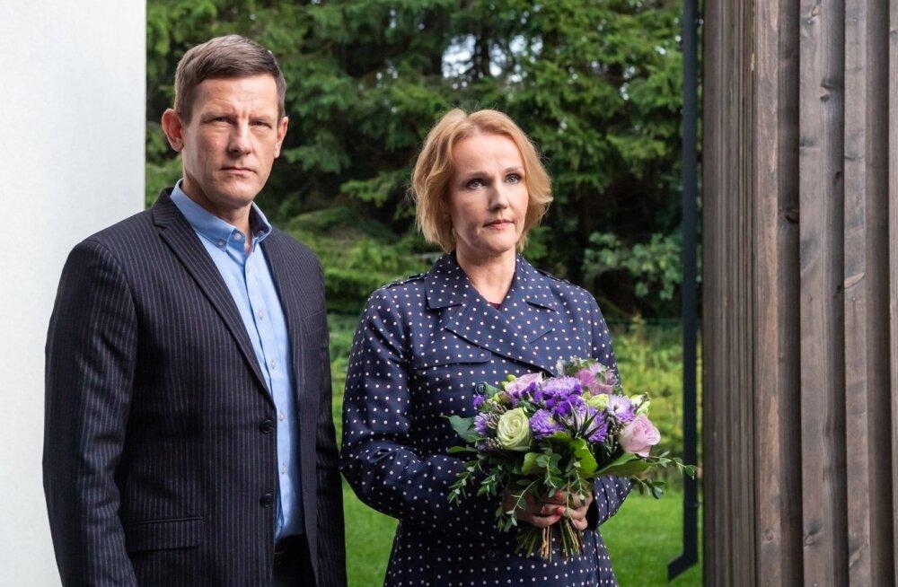 Jan Uuspõld ja Liina Vahtrik kehastavad uues seriaalis abikaasasid, kes on otsustanud lahku minna.
