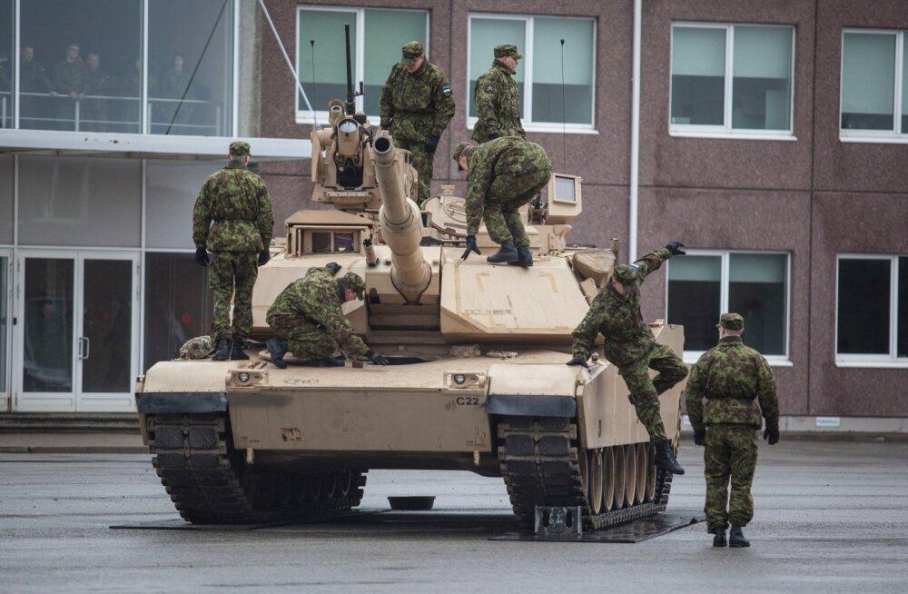 Ühendriikide tankiüksus alustas Tapal teenistust