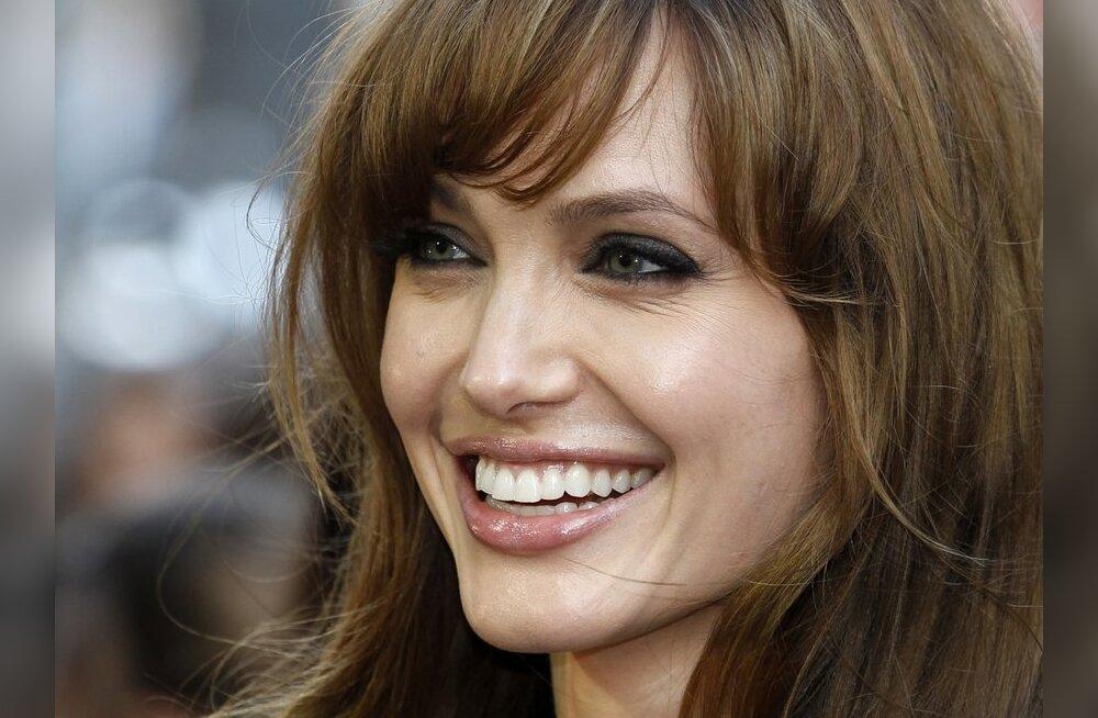 Cosmo annab nõu: kiirga enesekindlust nagu Angelina Jolie!
