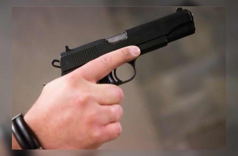 В центре Таллинна один водитель угрожал другому огнестрельным пистолетом