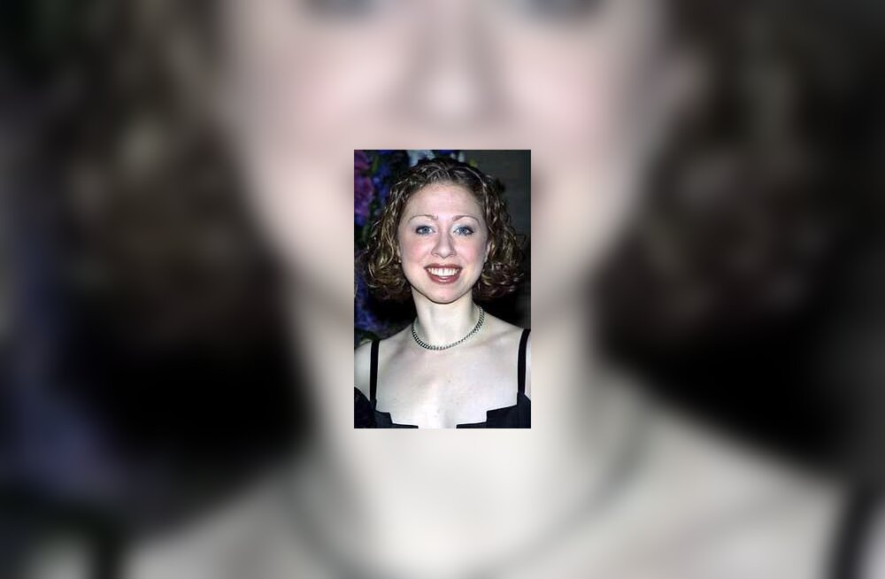 Facial feature changes in chelsea clinton — img 12