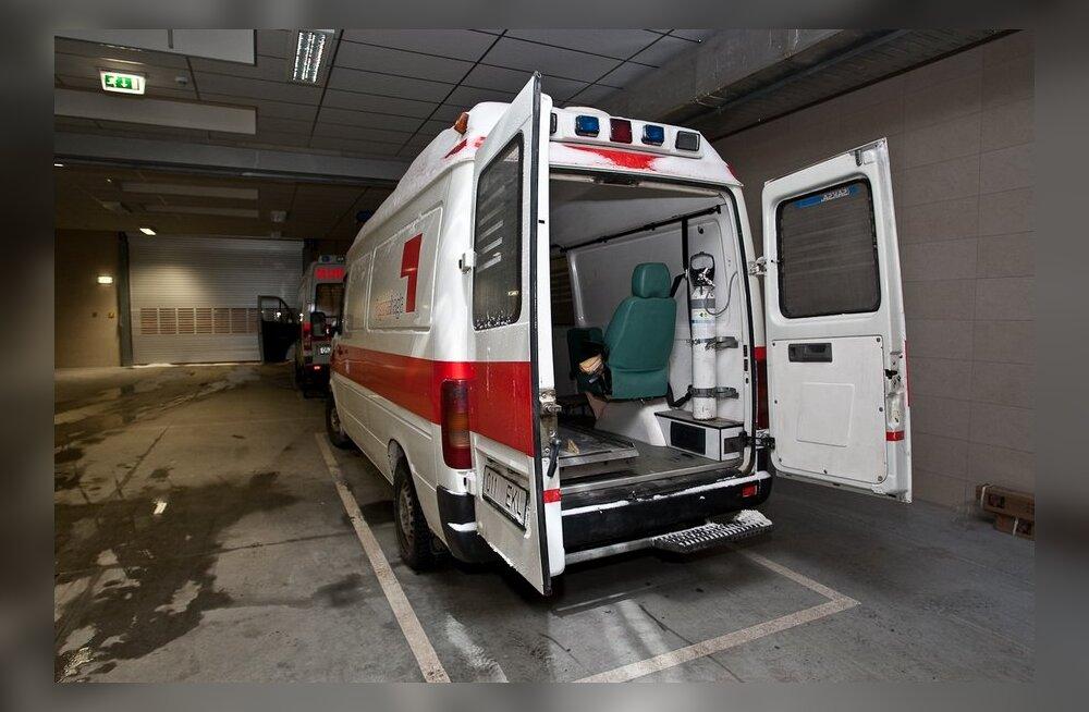 Ehmatav kukkumine: kolm võistlejat viidi kiirabiga haiglasse