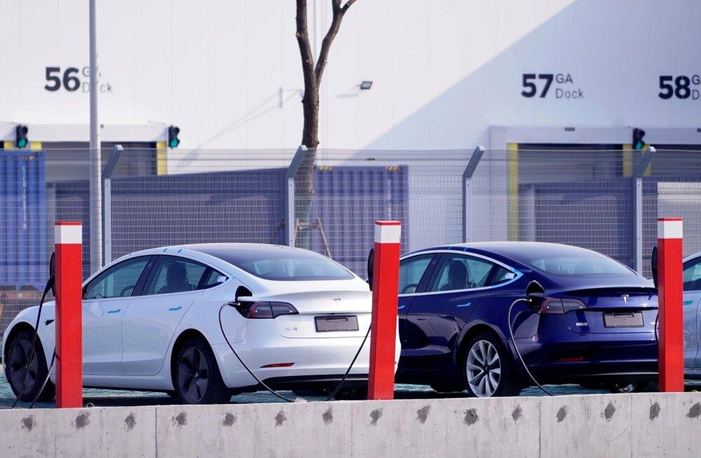 Tesla Model 3 elektriautod.