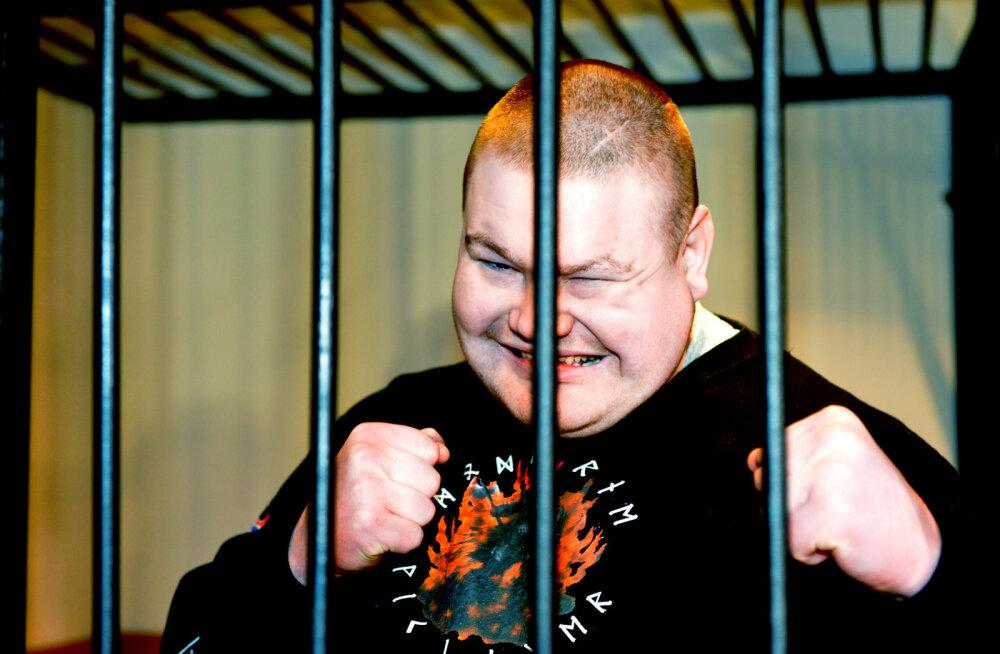 Narva jõel peeti kinni illegaalselt piiri ületanud Venemaa MMA võitleja