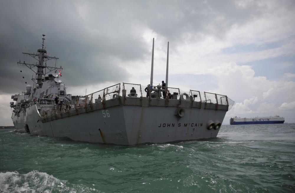 """USA sõjalaev USS John McCain kästi väidetavalt Trumpi """"silma alt"""" minema viia"""