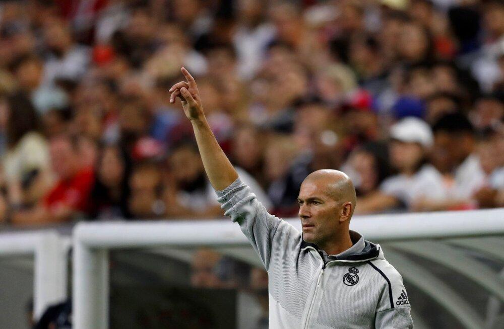 Üleminekusaaga jätkub: Bale'i agent süüdistas Zidane'i häbematus sõnavõtus