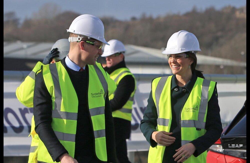 Vahi-vahi! Prints William ja Kate Middleton osalesid sillaehituses ning naine lasi endale teha ka kauni kehamaalingu