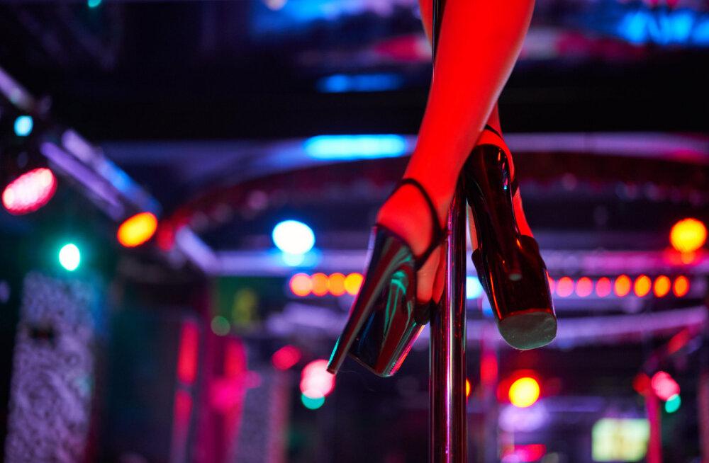 Mees, kes käib regulaarselt stripiklubides: ma vaatan, räägin, maksan, kuid ei puuduta. Mis mõttes ma petan?