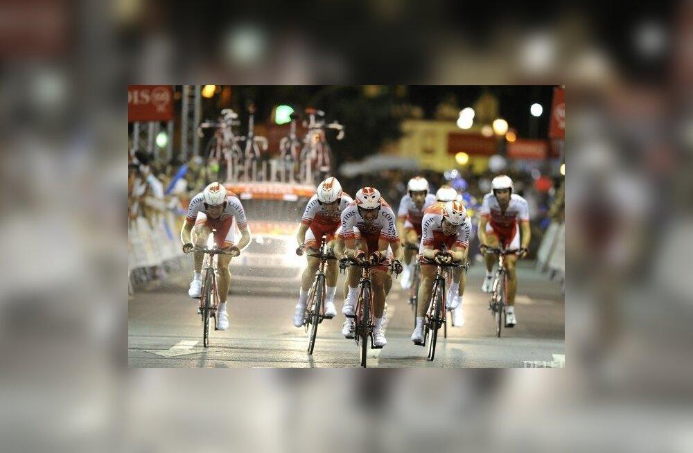 Cofidise meeskond Vuelta proloogil, jalgratas