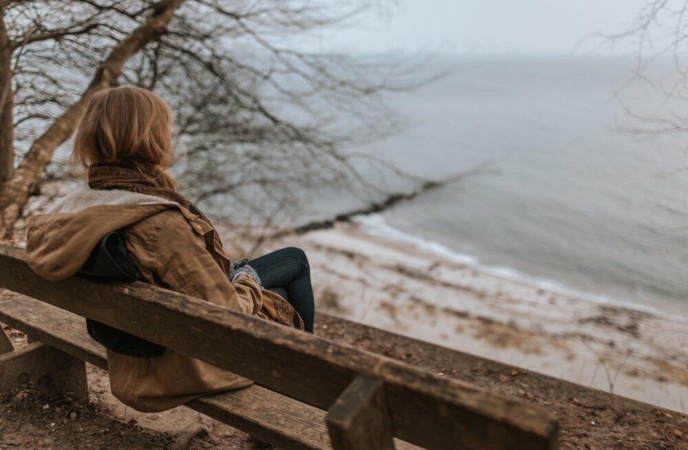 Naine soovib mehest lahku minna, aga ei tea, kuidas seda teha: kui olen rääkinud lahutamisest, on ta ähvardanud end ära tappa