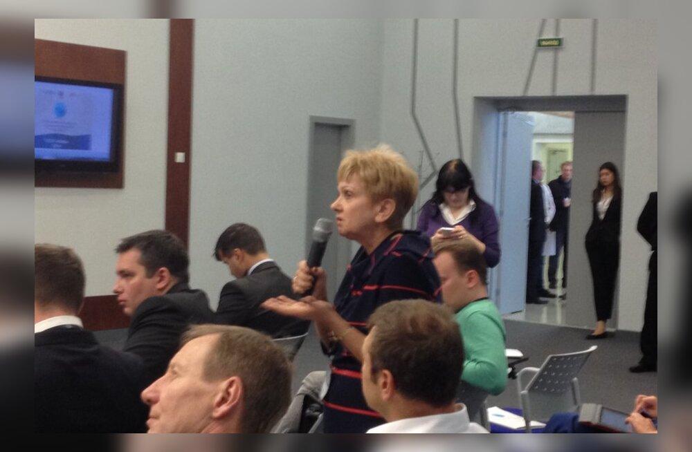 DELFI В ЛЕНОБЛАСТИ: Участники форума соотечественников предъявили претензии к косности МИД России