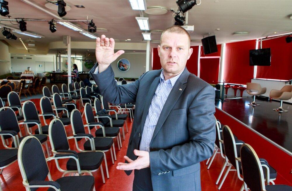 Pärnu linnapea Romek Kosenkraniuse sõnul erinevad Pärnu suvised ja talvised üürihinnad kui öö ja päev.