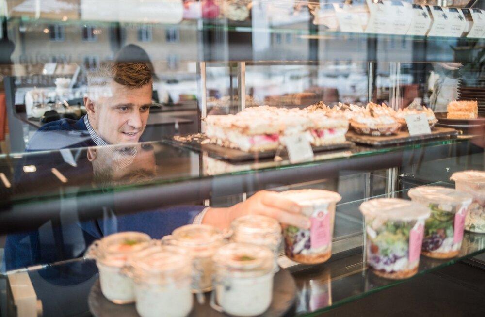 Jaanuari lõpus Tartu Tähtvere linnaosas avatud kohvik Maitse Elamused on aastaid edukalt tegutsenud restoraniärimehe ja tippkoka Joel Ostrati jaoks frantsiisikontseptsiooni arendamise katselava.