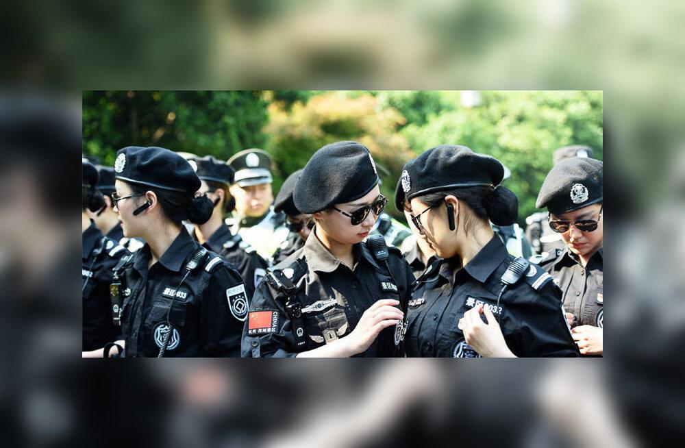 Женский патруль в китайском Ханчжоу покорил туристов