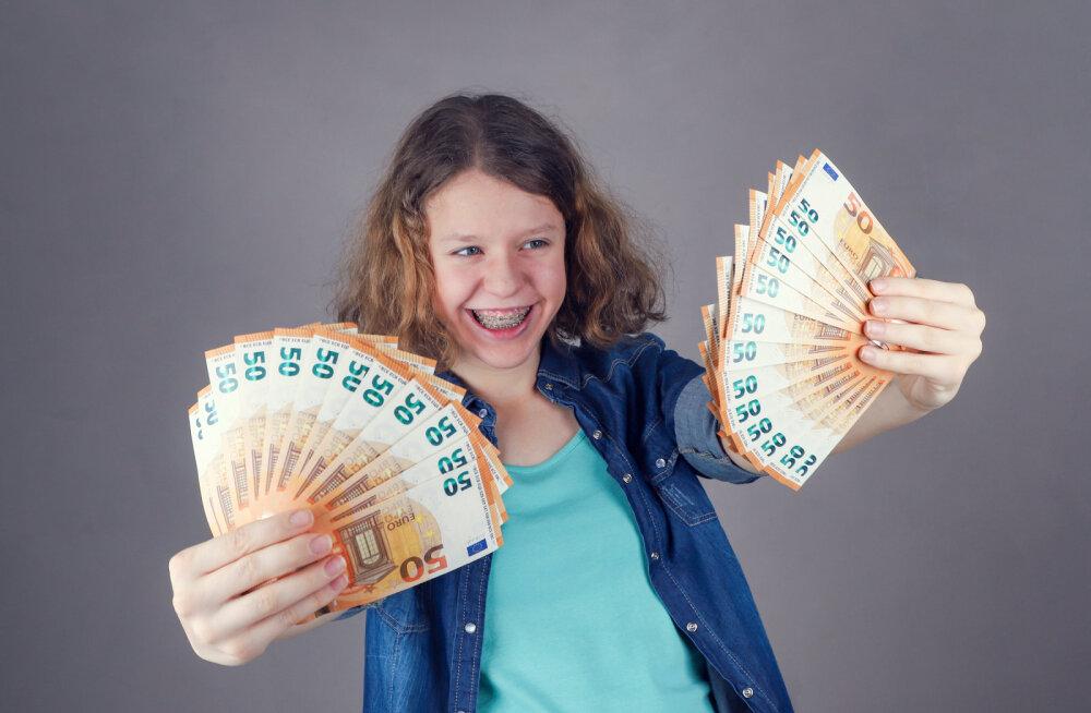 Õpetus teise pensionisamba omanikule: kui tahad inimene olla, hakka kohe kulutama!