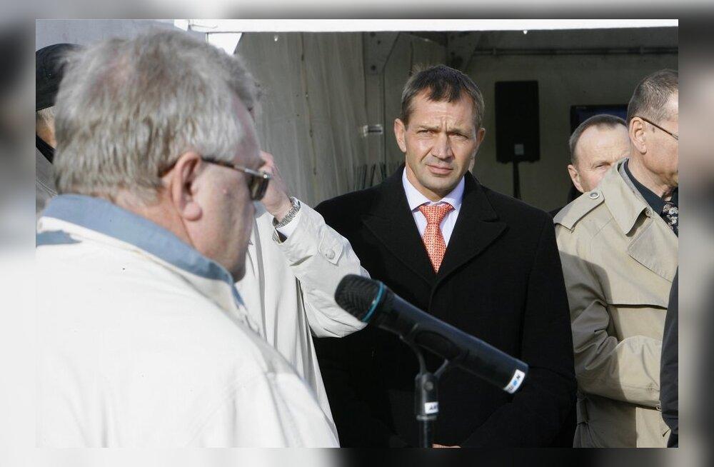 Edgar Savisaar koos Urmas Sõõrumaaga Väo elektrijaama avamisel