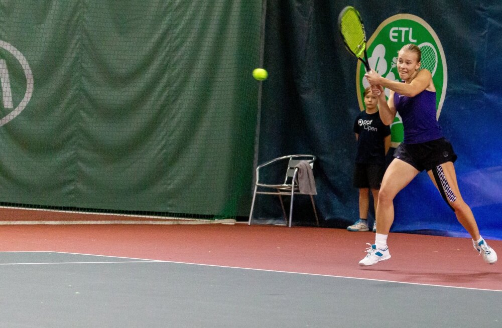 Pärnu tennisehallis ITF-i turniiri Paf Open poolfinaal. Katriin Saar - Elena Malõgina